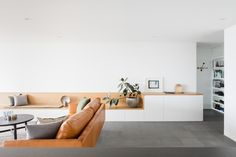 Macquarie Street Apartment by Brad Swartz Architects   Yellowtrace