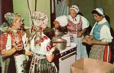Slovak women in Minnesota folk fair, 1970