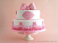 Pink Ombre Ruffles Cake. Pastel de bautizo rosa con volantes, tutorial de como hacerlos con fondant.(en inglés con imágenes explicativas)