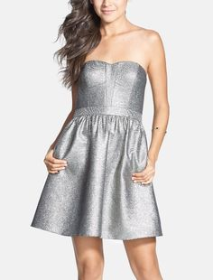 Love this metallic strapless shimmer jacquard dress for homecoming!
