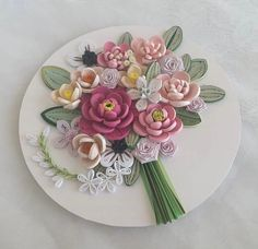 Quilling Flowers, Quilling Art, Quilling Ideas, Flower Arrangements, Decorative Plates, Projects To Try, Photo Wall, Tableware, Inspiration