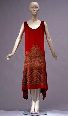 Maria Monaci Gallenga (1880-1944) |Abito da sera in velluto chiffon di seta rosso-lacca stampato in oro e argento, 1927-1928