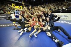 Yellow Tigers (Belgium's national female team) winning a 3rd place at European Championship in Zürich.