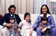 Isabel Preysler and Julio Iglesias | Julio Iglesias;Isabel Preysler;Enrique Miguel;Julio Jose