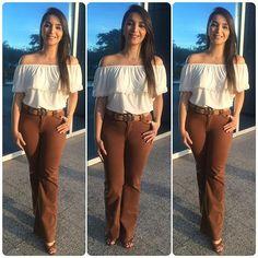 Look novo que eu amei principalmente pelo preço! A blusa ciganinha é da @opcaojeans e custou R$ 20!!!  A calça foi presente de uma prima querida e a sandália é @lojas_milano . Já falei que eu amo essa loja, né? A sandália de camurça, da cor da moda e por R$ 59,90!  #lookdodiabrasil #lookdodia #aindanaosourica