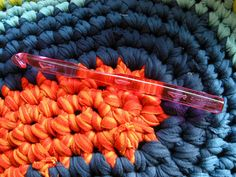 Rag rug tutorial. I've made one of these out of 2 old flat sheets.