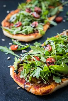 Salaattipizza // Pizza topped with salad Food & Style Mika Rampa Photo Mika Rampa www. Asian Recipes, Healthy Recipes, Moisturizer For Dry Skin, Falafel, Tortellini, Tofu, Vegetable Pizza, Food Photography, Good Food