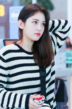 Jeon Somi, Asian Celebrities, Looking Forward To Seeing, My Crush, Girl Crushes, Asian Girl, Singer, Kpop, Female