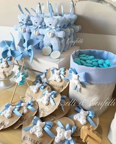 Image may contain: 1 person Baby Favors, Baby Shower Favors, Baby Boy Shower, Baby Crafts, Diy And Crafts, Party Gifts, Diy Gifts, Bebe Shower, Baby Event