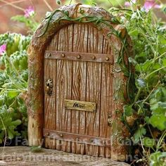 Fairy House - How to Make Amazing Fairy Furniture Miniatures Fairy Houses Kids, Fairy Garden Houses, Fairy Gardens, Fairies Garden, Fairy Doors On Trees, Fairy Tree, Bloom Where Youre Planted, Fairy Furniture, Furniture Chairs