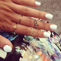 nails and knuckle rings <3