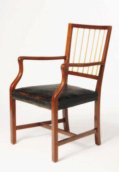 Josef Frank hielt nichts von standardisierten Gebrauchsgegenständen, der Armlehnsessel zeigt es. #wien1900 #makapp Josef Frank, Maker, Museum, Chair, Design, Furniture, Home Decor, Coffee Cafe, Armchair