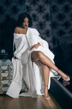 So perfect. A Queen who amid any personal struggles has remade herself in her own image time and time again. A lioness in spirit. Fierce, Strong , Wise and Independent. I hope to be as braver and strong as you, Lady Rih . ♥️