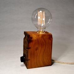 Lámpara de sobremesa madera reciclada tronco castaño 475