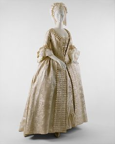 Robe à la Française    1770    The Metropolitan Museum of Art
