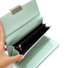 "Jims Honey - Top Woman Wallet Import - Amalia Wallet<br><a class=""btn btn-danger m-t-10"" href=""/product_detail/ds-xsGrvK0PbU/jims-honey-top-woman-wallet-import-amalia-wallet-2170594.html"">Beli Barang</a> Wallets For Women, Ds, Honey, Woman, Detail, Women's Wallets, Women"
