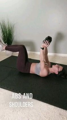 Tone flabby arms and strengthen your core with this 30 minute at home workout routine. This fat burning circuit training workout is the best way to build strength and muscle at home. All you need is a pair of dumbbells. Home Exercise Routines, Abs Workout Routines, At Home Workouts, Ab Workouts, Fitness Before After, Circuit Training Workouts, Gym Workout Videos, Oblique Workout, Arms And Abs