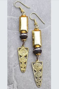 Elegant Tribal Gold, Black and African Brass Triangle Charm Dangle Earrings - Whirlpool Galaxy-Andromeda Galaxy-Black Holes Black Jewelry, Tribal Jewelry, Metal Jewelry, Piercings, Coral And Gold, Yellow Turquoise, Tibetan Jewelry, Moda Emo, Jewelry Photography