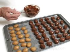 Easter Candy Eggs from RecipeTips.com!