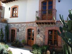 cool exterior on Posasa de las Minas, Mexico