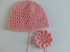 Crochet Flowers Easy FREE Crochet Patterns: Free EASY Crochet Baby Hat Pattern with Crochet Flower - Easy Crochet Baby Hat Pattern perfect for beginners see how to crochet a hat with this free easy crochet baby hat pattern with beautiful e. Easy Crochet Baby Hat, Crochet Baby Hats Free Pattern, Crochet Baby Mittens, Crochet Baby Blanket Beginner, Crochet Beanie Hat, Unique Crochet, Crochet Flower Patterns, Free Crochet, Crochet Hats