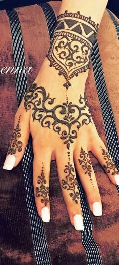 Girlyhenna design