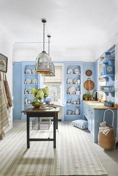 Charming Kitchen Island Ideas That Are Both Stylish and Storage-Friendly Antique Kitchen Island, Farmhouse Kitchen Island, Rustic Kitchen, Kitchen Decor, Kitchen Islands, Kitchen Ideas, Kitchen Colors, Kitchen Cabinet Design, Kitchen Paint