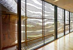 Schattenspiele aus Metall | Architecture bei Stylepark