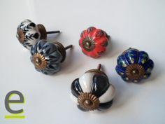 """la serie di pomelli di ceramica decorata a mano """"a zucca""""! http://easy-online.it/it/categoria-prodotto/pomelli/. Molti altri pomelli per mobili disponibili sul nostro sito."""