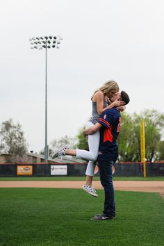 #seniorpictures #couple #baseball #kissing @matlynmayphotography
