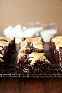Best brownies I've ever made. Thick S'mores Brownies Just Desserts, Delicious Desserts, Dessert Recipes, Bar Recipes, Dessert Bars, Smores Brownies, Brownie Bar, Brownie Recipes, Chocolate Recipes