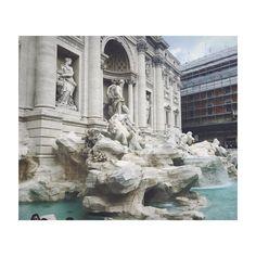 #vacay #rome #trevi #fountain