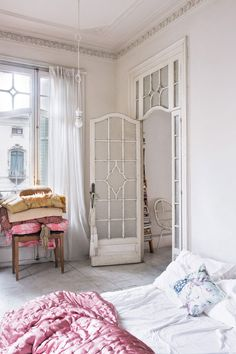 Vintage Bedroom vintage inspired bedroom in barcelona home featured in architectural digest españa. / sfgirlbybay - there's not much that doesn't inspire me about this beautiful barcelona home featured recently in architectural digest españa. Bedroom Door Design, Bedroom Doors, Shabby Chic Homes, Shabby Chic Decor, Rustic Decor, Rustic Wood, Vintage Inspired Bedroom, Bedroom Vintage, European Bedroom