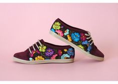 Lolkina: Benita - Kichink! Mexican Shoes, Mexican Style, Painted Sneakers, Painted Shoes, Coolest Shoes Ever, Mexican Designs, Decorated Shoes, All About Shoes, Shoe Art