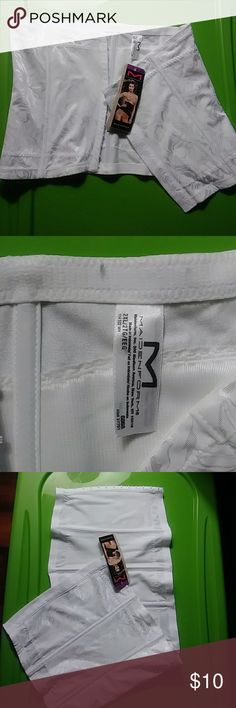 Waist cincher White new with tags Maidenform Intimates & Sleepwear Shapewear