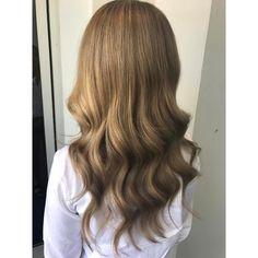 25 Stupendous Dark Blonde Hair Styles – Deep Golden Tones