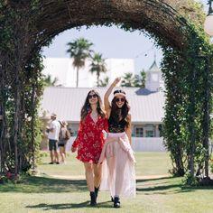 """154.6 k likerklikk, 459 kommentarer – H&M (@hm) på Instagram: """"New day, new gigs! Here are some of the best styles from #Coachella! 🔥❤️ #HMLovesCoachella"""""""