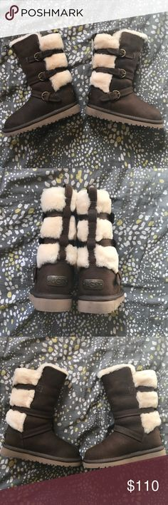 NWT UGG KIDS MADDI SIZE 10 Showcasing lush suede with shearling lining and trim, the Maddi is made for little women with a love of warmth and an eye for style. Fixed buckles, fuss-free zipper, and flexible EVA outsole create a kids' tall boot with trademark UGG® comfort. UGG Shoes Boots