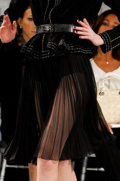notordinaryfashion: Christian Dior Haute Couture S/S 2012 Christian Dior Couture, Gareth Pugh, Ideias Fashion, Runway, Dress Up, Ballet Skirt, Glamour, Chic, Womens Fashion