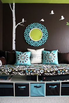 Good-Looking Bedrooms In Turquoise Color : Captivating Turquoise Teenagers Bedroom Design with Turquoise Frame Round Mirror and White Bird Wall Sticker also Grey White Rug
