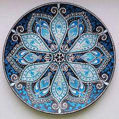 Beautiful painting of plates in dotted technique . Mandala Design, Mandala Art, Mandala Drawing, Mandala Painting, Mandala Pattern, Dot Art Painting, Pottery Painting, Ceramic Painting, Stone Painting