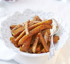 Aniseed flavours work well with earthy, sweet vegetables. Use soft black liquorice combined with creamy butter Bbc Good Food Recipes, Side Recipes, Vegetarian Recipes, Cooking Recipes, Cooked Carrots, Black Licorice, Christmas Lunch, Carrot Recipes, Salted Butter