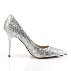 Stiletto Pumps CLASSIQUE-20 - Silber Glitzer | Klassische Stiletto Pumps in spitzer Form aus glitzerndem Lamé Stoff mit Metallic Effekt der Marke Pleaser.  Metallic High Heels für den besonderen Look. #schuhe #damen #shoes T Strap Pumps, Crazy Heels, Metallic Heels, Stiletto Pumps, High, Form, Shoes, Fashion, Classic