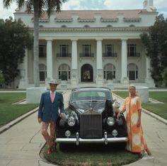 PANTALEON y las decoradoras · Floripondios II – Pantaleón en Palm Beach