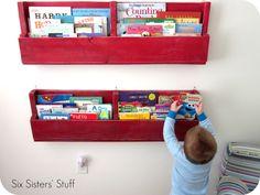 Easy Pallet Bookshelves Tutorial- make these shelves for less than $5!