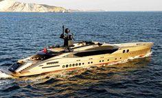 Superior golden yacht Milano Giorno e Notte - We Love Milano!! www.milanogiornoenotte.com