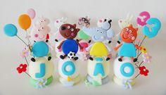 Topo de bolo da Peppa pig e seus amiguinhos (biscuit)  Preço referente a cada bola com o personagem.  Podem ser cores e personagens variados (verificar disponibilidade)  Se desejar outro tema entre em contato solicitando orçamento.  Pode ser utilizado como topo de bolo ou para decorar a mesa.  Medida APROXIMADA: 8 cm de altura (diâmetro da bola de aprox 3,5 cm) R$ 17,60