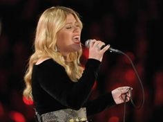 Kelly Clarkson<3 i love her