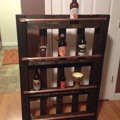 Pallet beer glass shelf diy pinterest shelves for Glass bottle display ideas