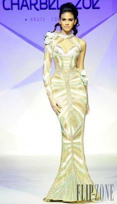 Charbel Zoe Primavera-Verano 2014 - Alta Costura - http://es.flip-zone.com/fashion/couture-1/independant-designers/charbel-zoe-4261